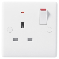 BG Electrical Nexus White Moulded 1G Switched Socket with Indicator 825